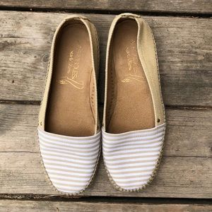 Aerosole stitch and turn striped shoes